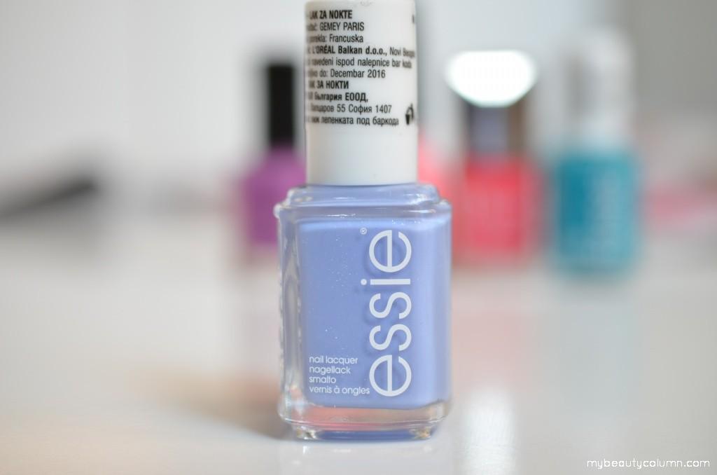 Essie Bikini so teeny lak za nokte