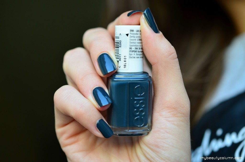 Essie The Perfect Cover Up Nailpolish Swatch