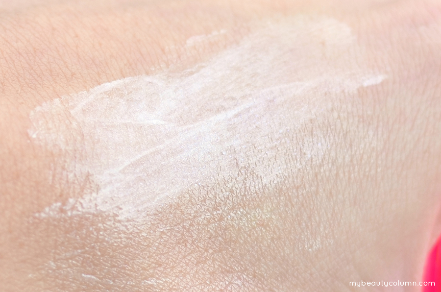 Tigi Bed Head After Party Smoothing Cream Swatch